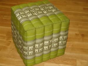 TK0023-10 Thailändisches Würfelkissen Thaihocker aus Kapok Farbe: grün/olivgrün/Elefant Masse: 40 x 40 x 40 cm